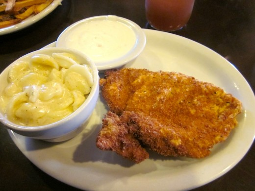 Fried chicken, mac 'n cheese at the new Homespun Kitchen in Dripping Springs, Texas