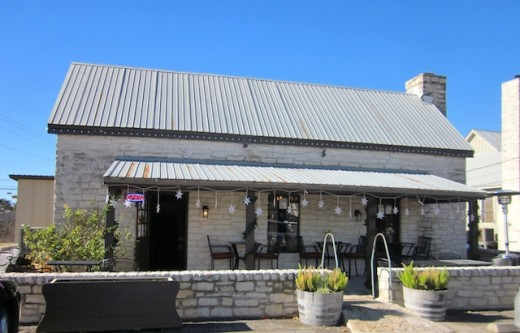 the front of the new Homespun Kitchen in Dripping Springs, TX
