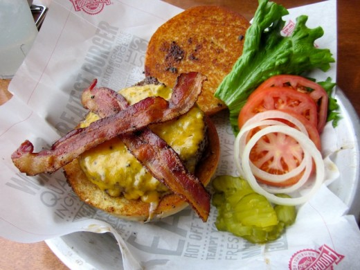 bacon cheeseburger at the new Fuddrucker's in Bee Cave, Texas